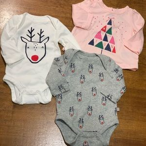 Gap | NWOT Baby 0-3M Christmas Bodysuits & Shirt